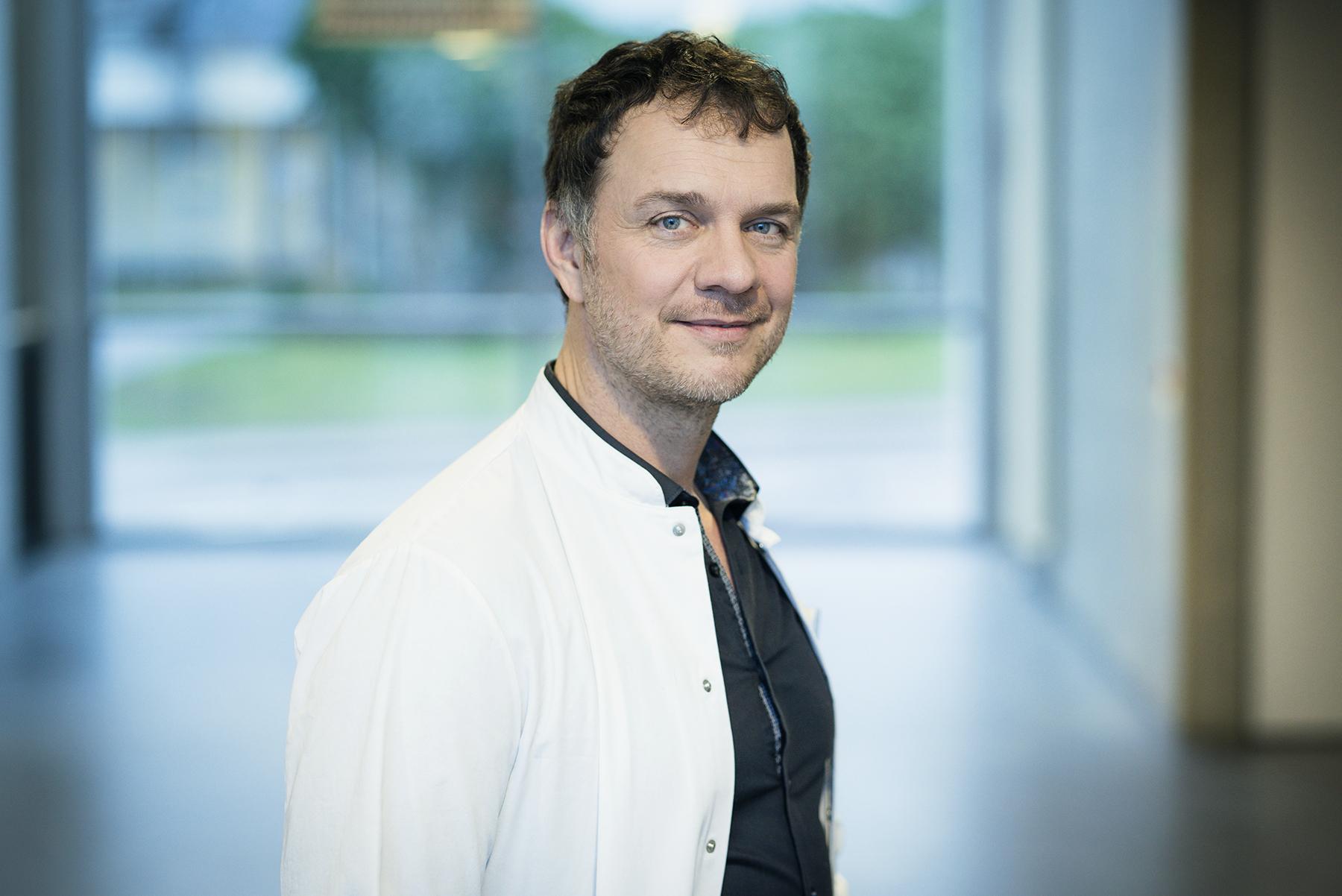 DR. VOLKER BUSCH