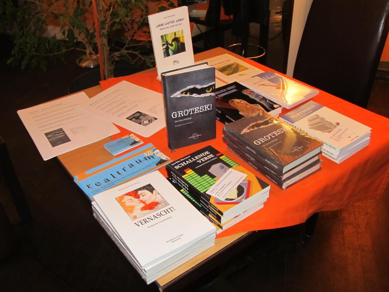 Büchertisch in Wien