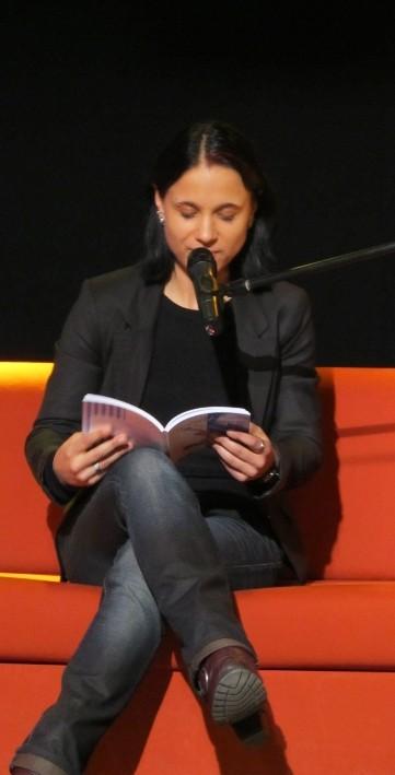 """Sabine Brandl liest aus ihrem Roman """"weißblau queer gestreift"""""""
