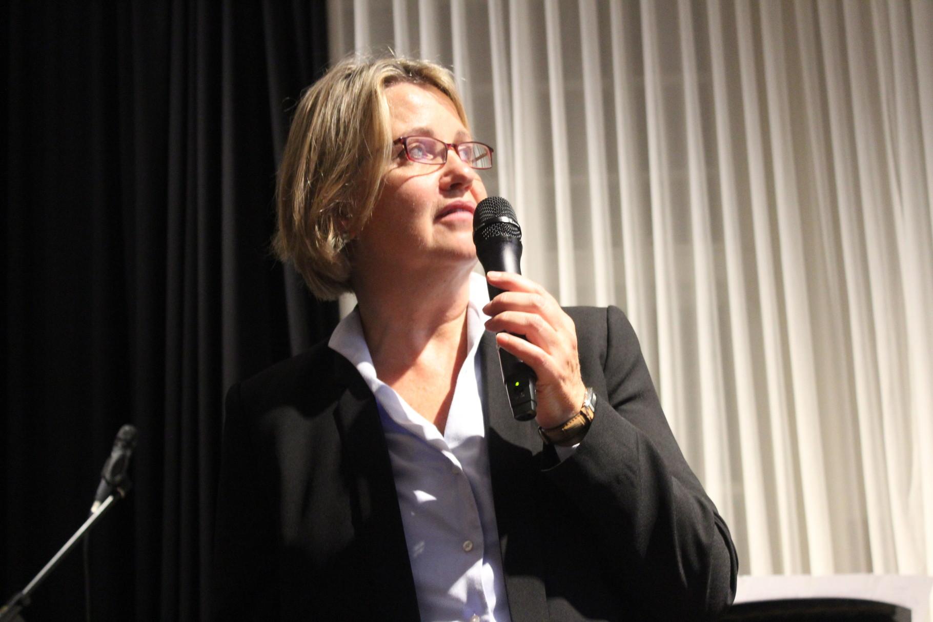 Monika Veth | Bildende Künstlerin | Vorstandsmitglied