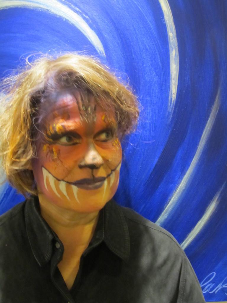 Angelika Wessbecher mit Gesichtsbemalung von Anke Rammé Firlefanz | Kunstpunkt 2012