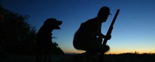 En la foto: Perro y Cazador