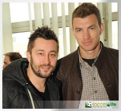 Edin Džeko (Manchester City) und Journalist Begic Almedin