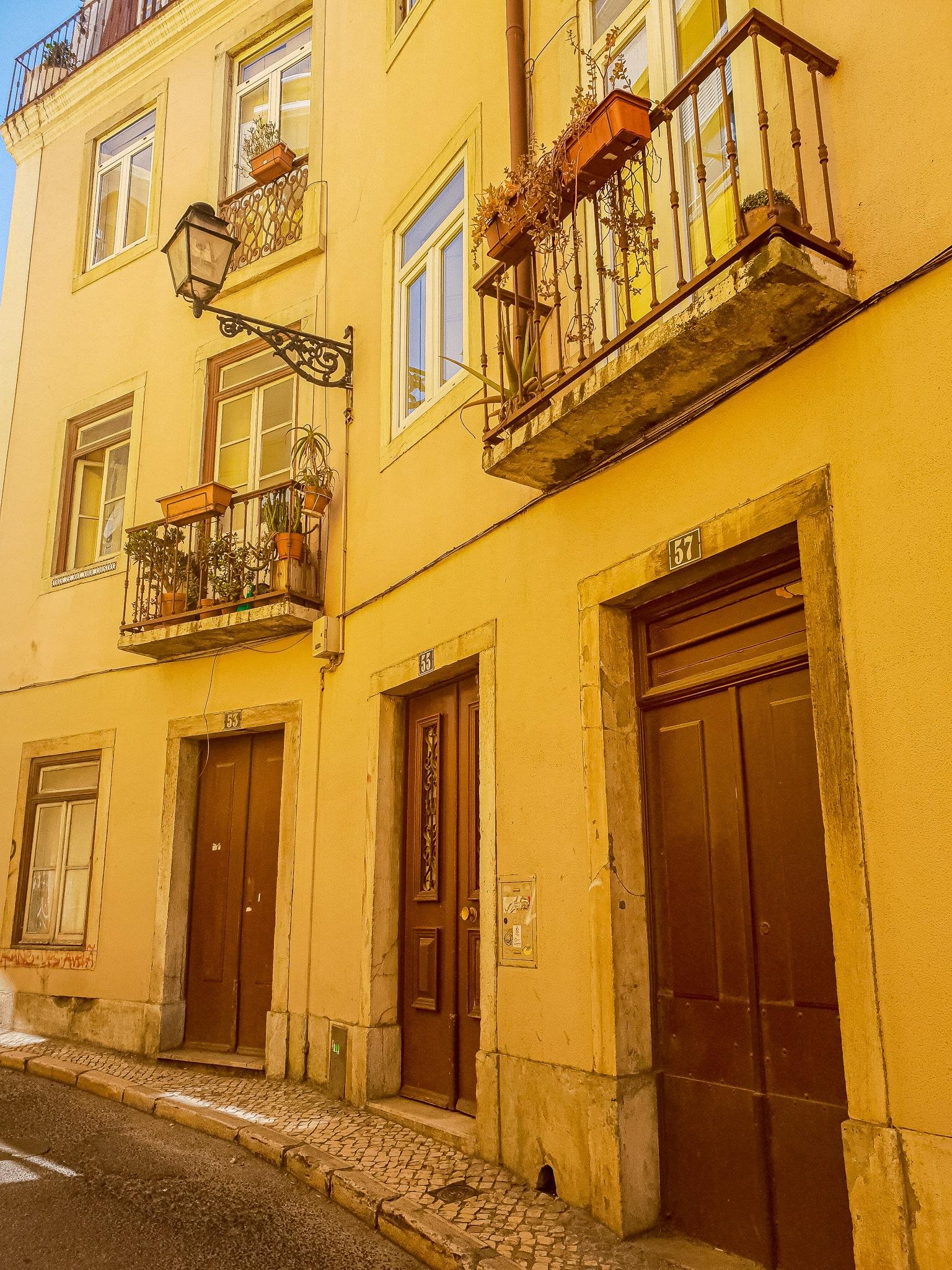 Traumhafte Gasse in Lissabon