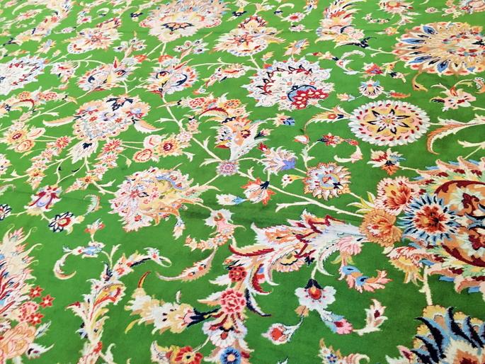 世界一でかいペルシャ絨毯!