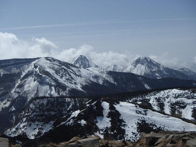 八ヶ岳の残雪状況 天狗岳に行ってきました。