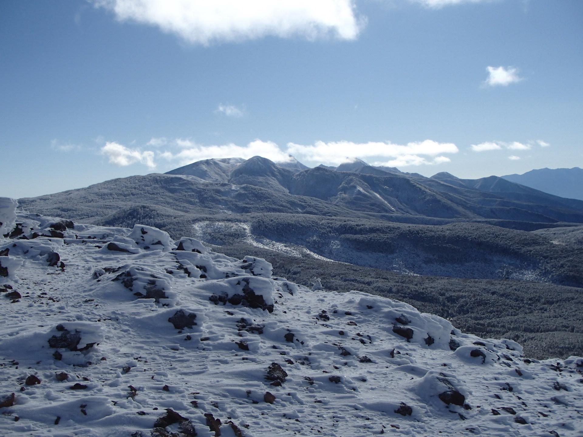 八ヶ岳の積雪状況