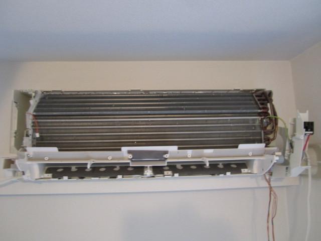 エアコンクリーニング(分解内部高圧洗浄)
