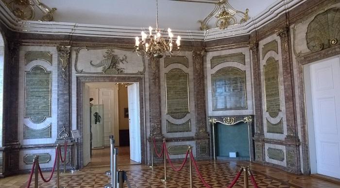 """Einer der Fürsten der Schwarzburg-Sondershäuser Linie ließ sich ein """"Steinzimmer"""" bauen."""