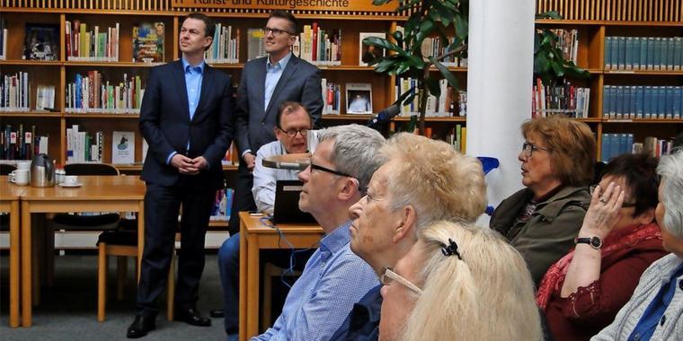 Bildung schafft die Kultur von Morgen - In der Stadtbibliothek schreibt man Bildung groß - Der digitale Stammtisch für Senioren war ein voller Erfolg. Lernen fällt leichter, wenn es gute Unterstützung gibt.