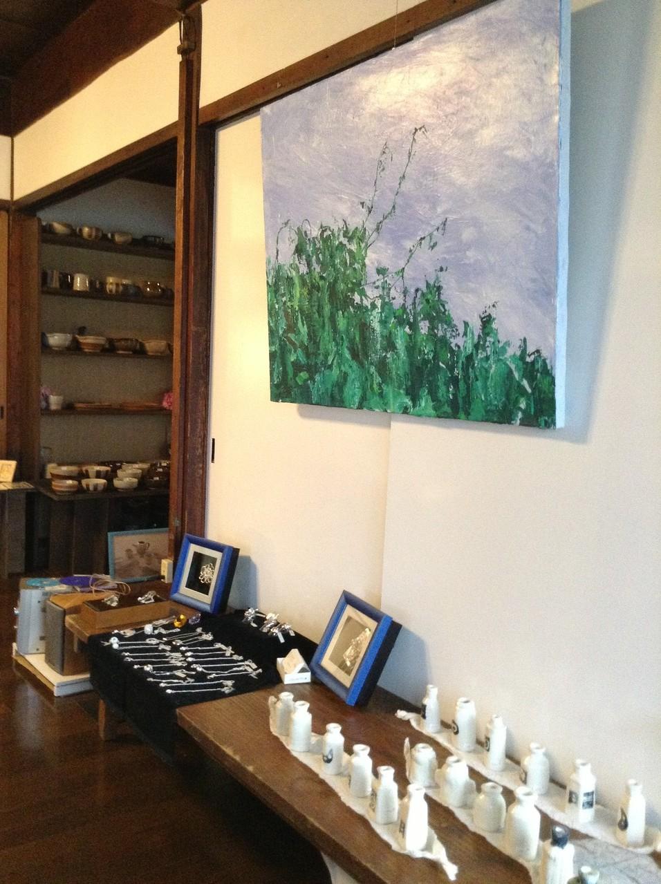 シルバーアクセサリー・陶芸・切り絵…色々な作品をご購入頂けます