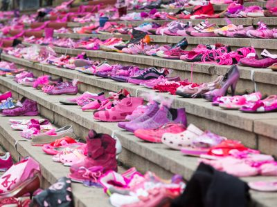 Quelle: pink shoe day
