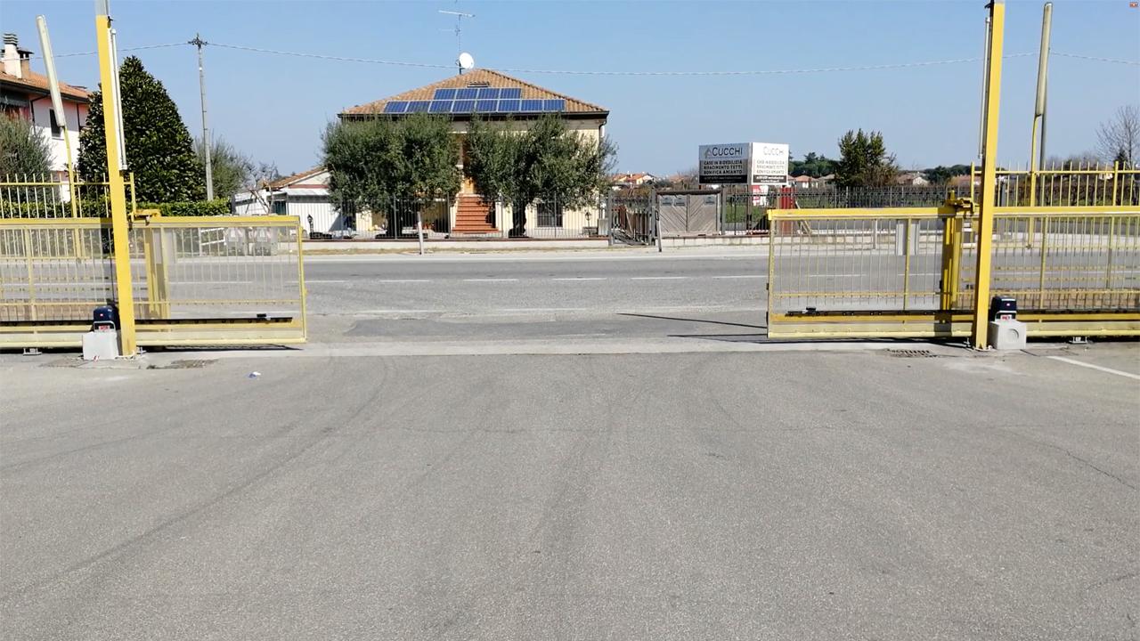 Cancello automatico BFT a Cesena con due ante contrapposte e due motori