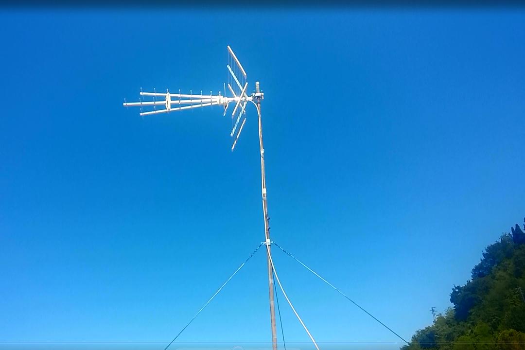 Rifacimento Antenna Digitale Terrestre a Cesena senza avere il palo pastorale