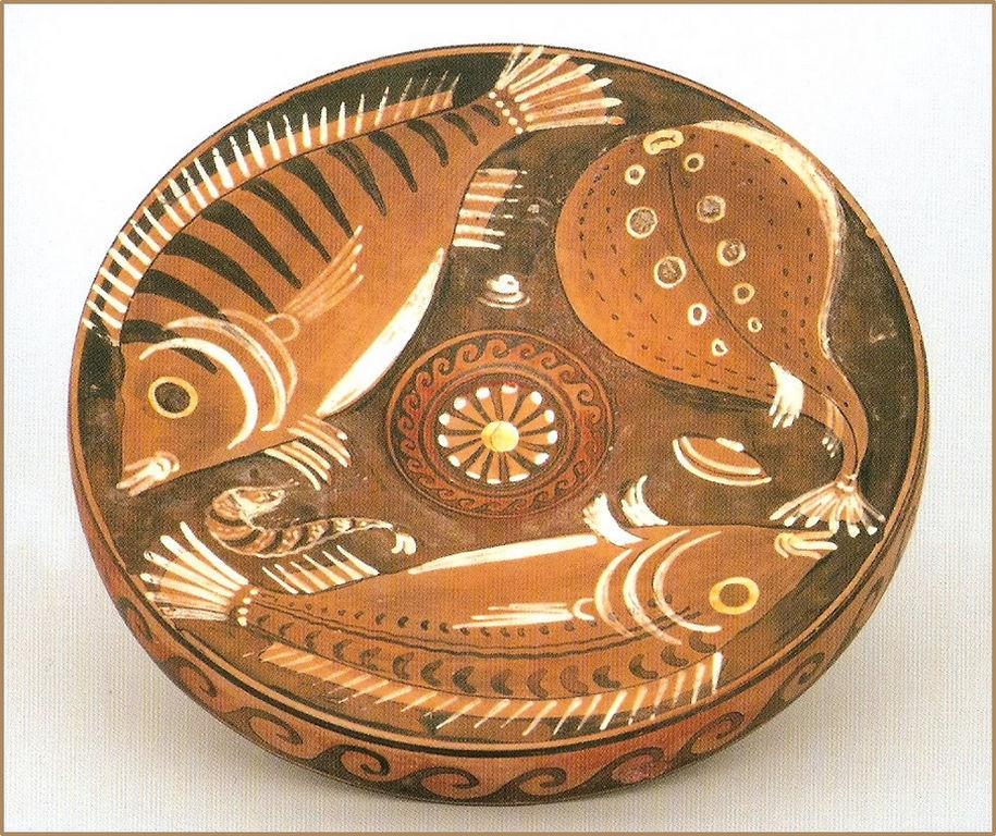 Piatto da pesce a figure rosse (330-320 a.C.)
