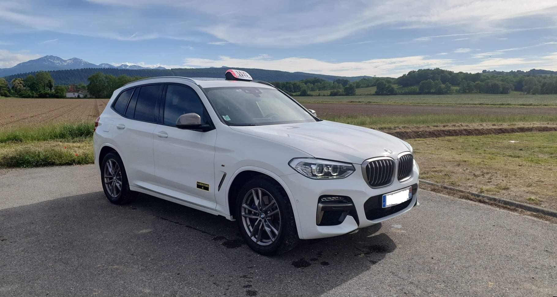 Nouveau taxi : BMW X3 SUV Compact tout option M Performance suspensions pilotées et climatisation arrière automatique pour un plus grand confort.