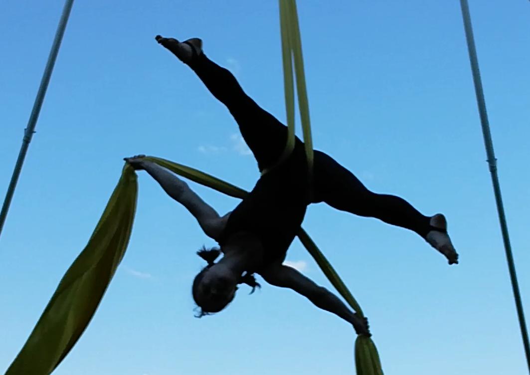 Tipps für dein Luftakrobatik-Training zuhause - in der Luft und am Boden!