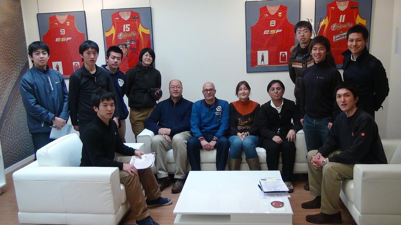 スペイン協会2014年ワールドカップ準備室にて記念撮影