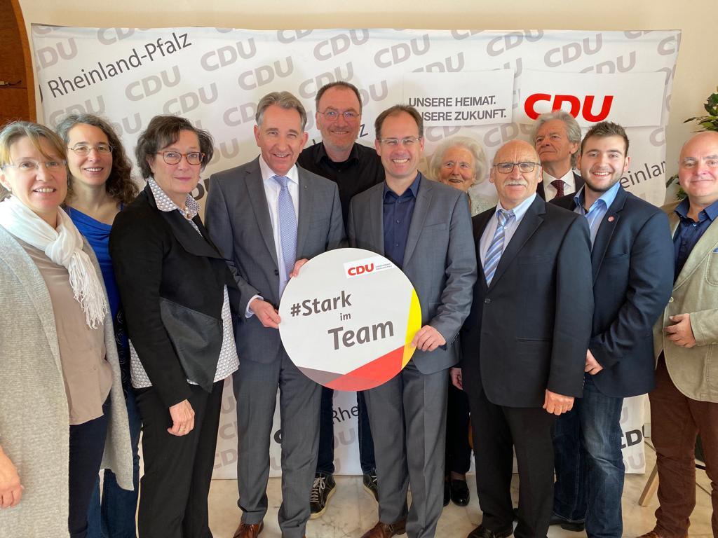 Die Delegierten des Rhein-Lahn-Kreises sind gut gelaunt und freuen sich auf einen spannenden Parteitag.
