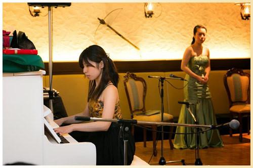 ピアノ伴奏:吉野しおりさん
