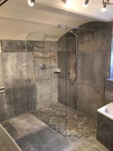 Herz & Wesch Bad und Gäste-WC Missen-Wilhams