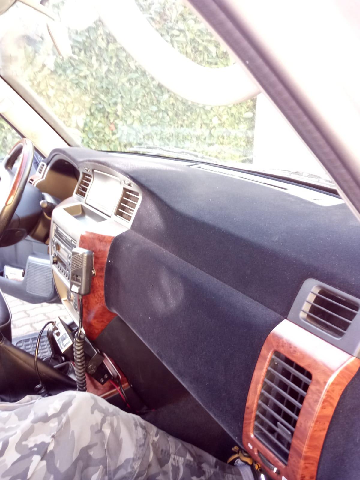 Nissan Patrol Armaturenbrett entfernung von Blasen via Beflockung