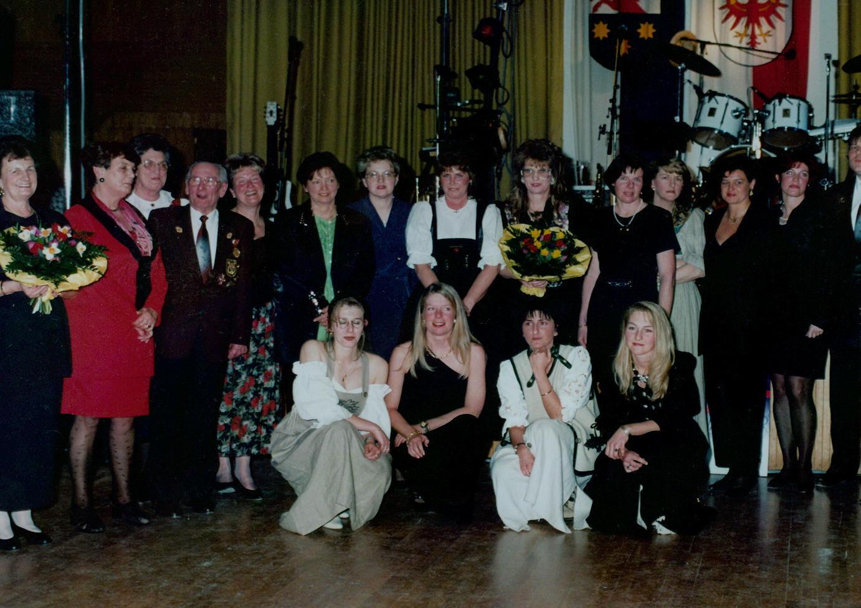 Ehemalige Marketenderinnen im Jahre 1998