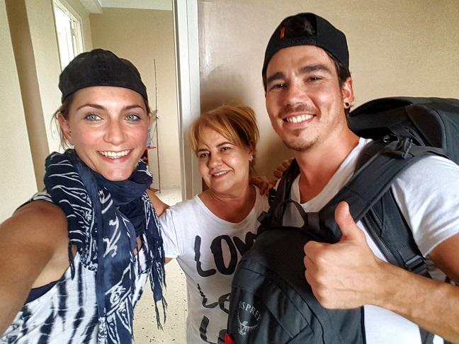 Mit unserer Casa-Mama Maria in ihrem Casa Particular in Havanna