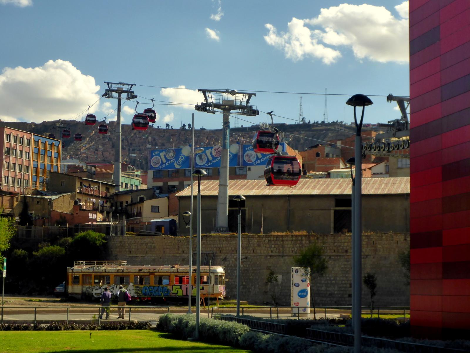 Teléferico in La Paz, erbaut von Doppelmayr