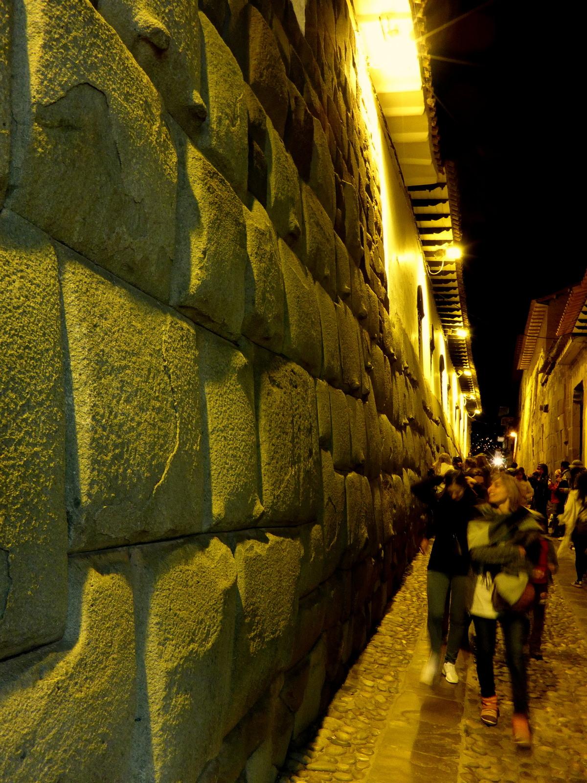 Die Inka Mauern, ohne Mörtel gebaut