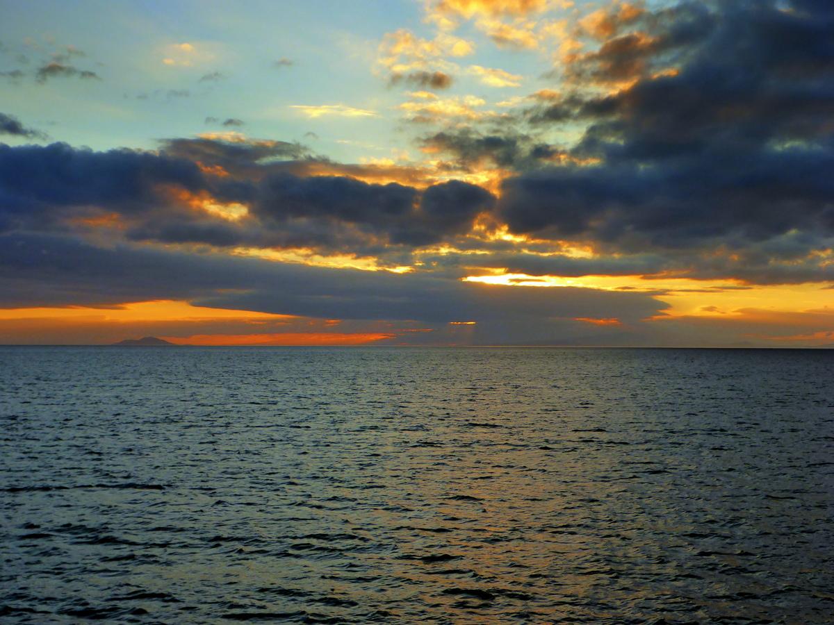 1. Sonenuntergang auf See