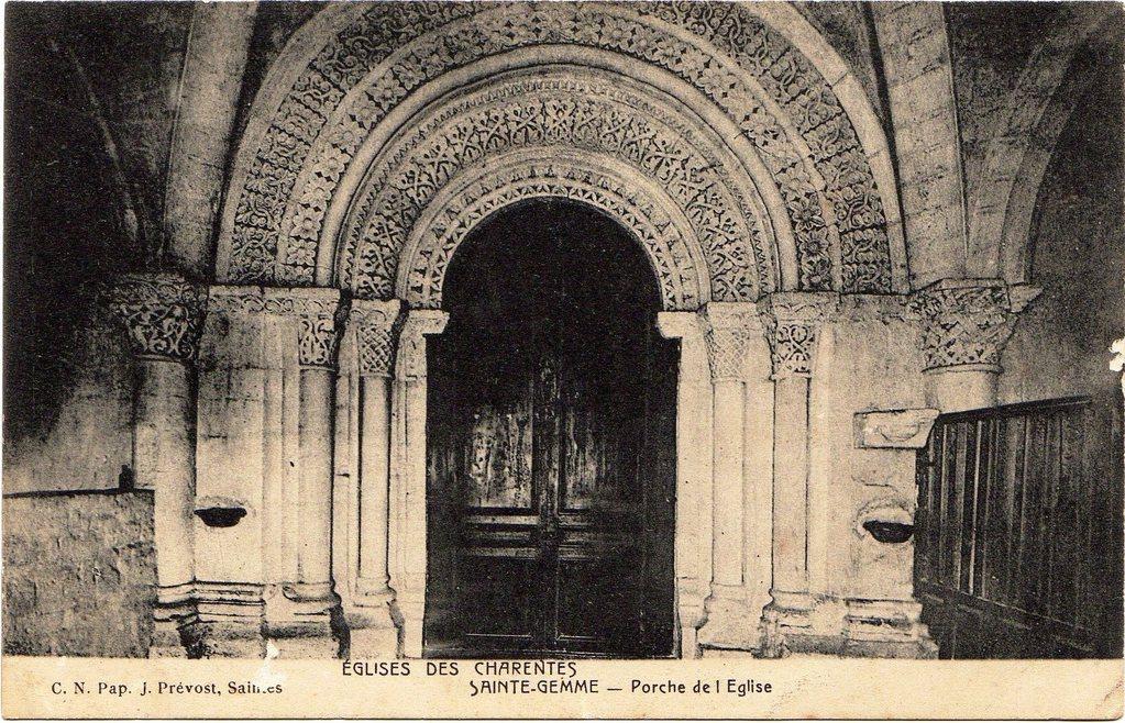 Portail intérieur de l'église vers 1900