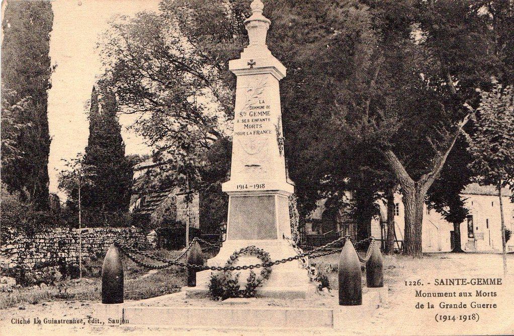 Le monument aux morts vers 1925
