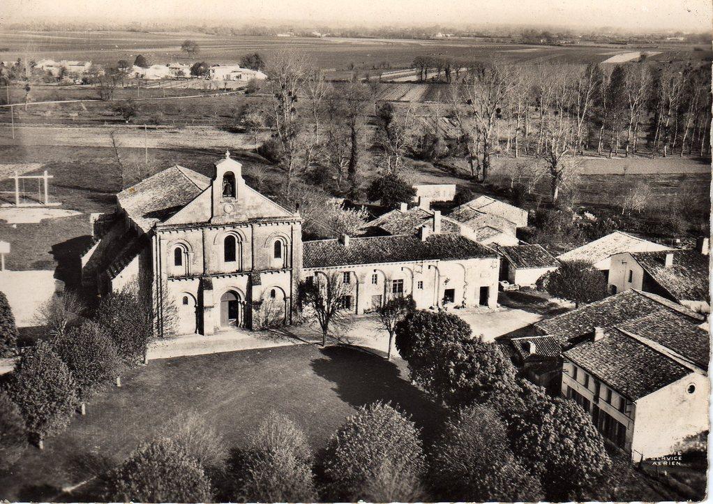 L'ancien monastère vers 1950