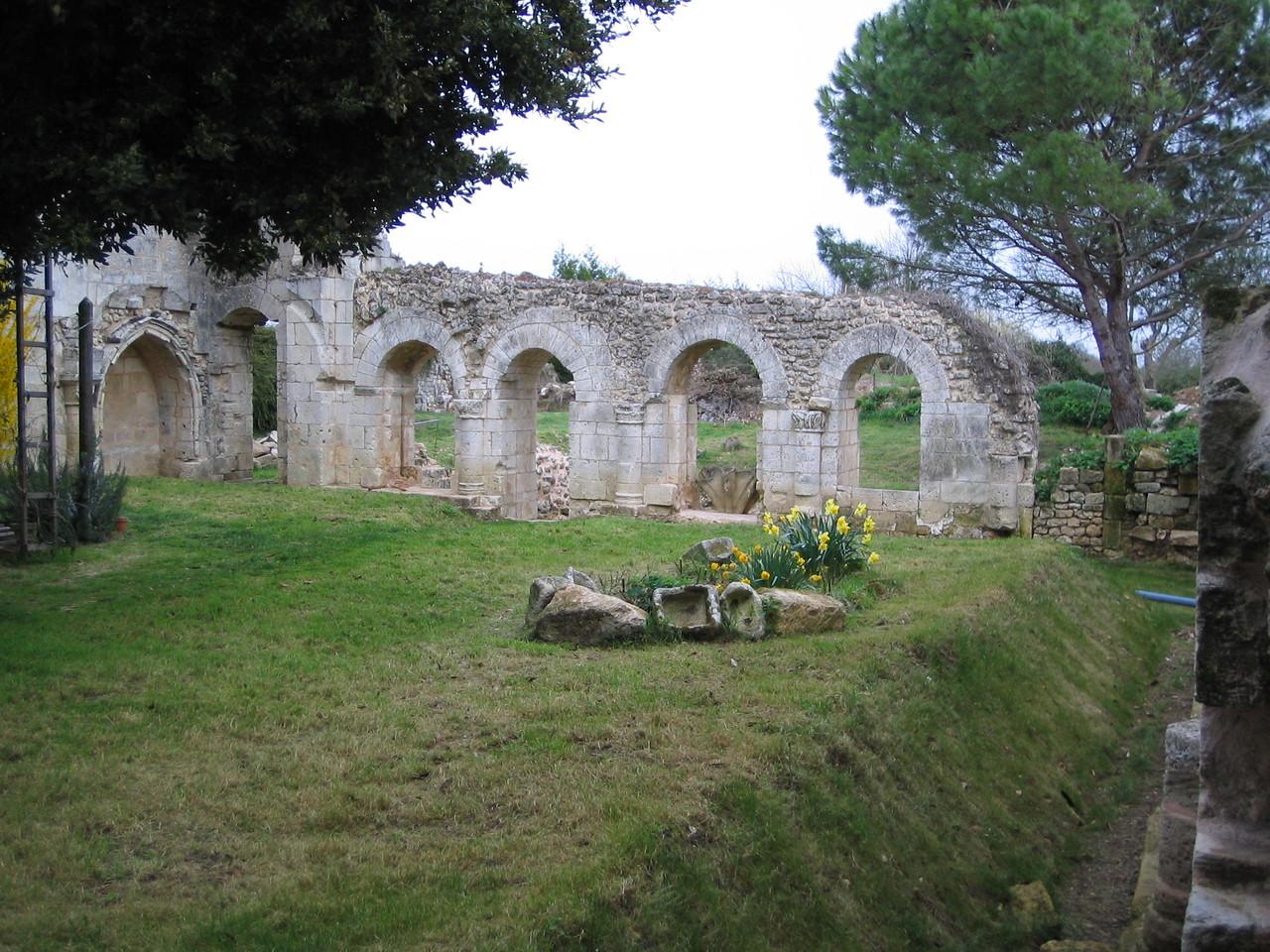 Vue d'ensemble de la galerie Est du cloître