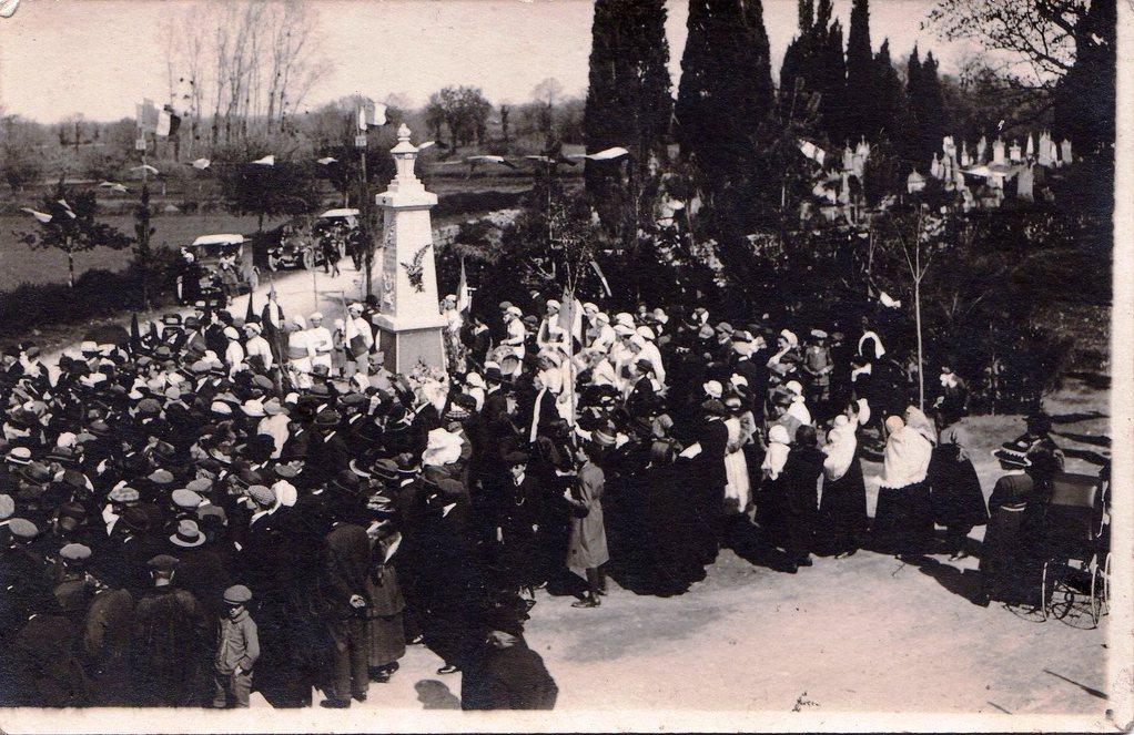 Inauguration du monument aux morts en 1922