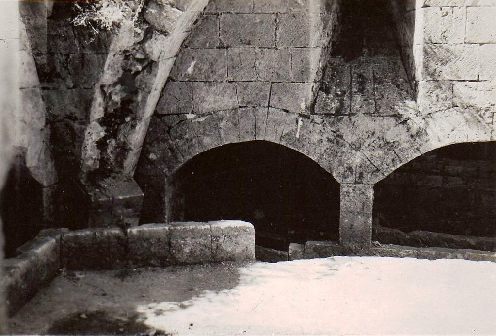 Crypte ossuaire découverte en 1926, photo de 1936