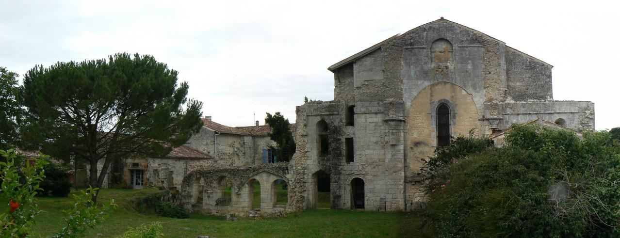 vue d'ensemble du transept et de la salle capitulaire