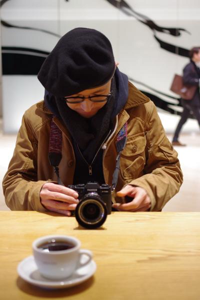 私は富士フイルムのミラーレスカメラとフィルムカメラの二台