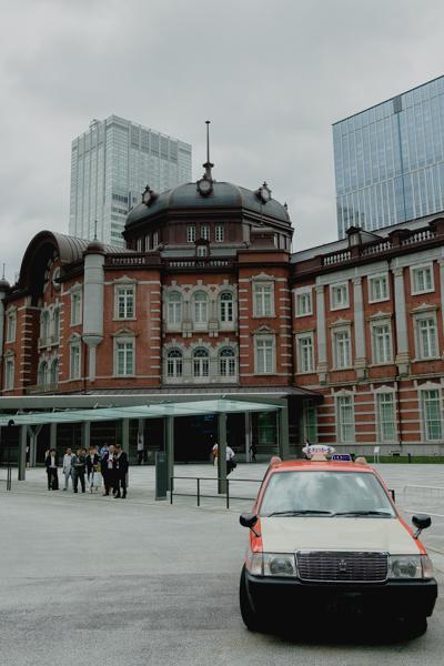 東京駅 丸の内北口を出た周辺の様子