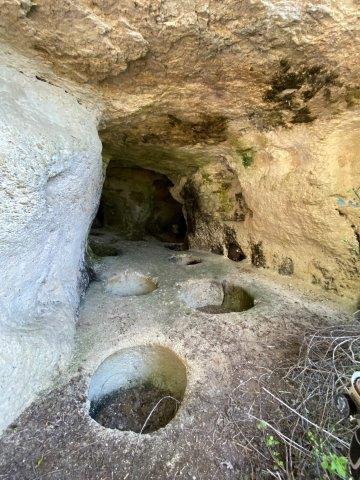 Congrès SFES 2021 - Grotte aménagée près de Saint Salvy - Photo L. Stevens (c)