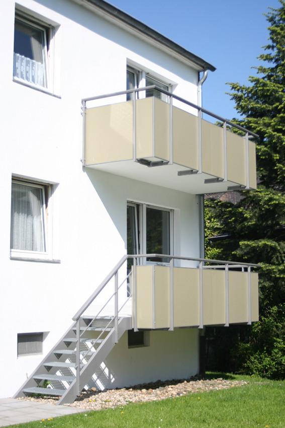 Geländer mit Füllung aus Trespa