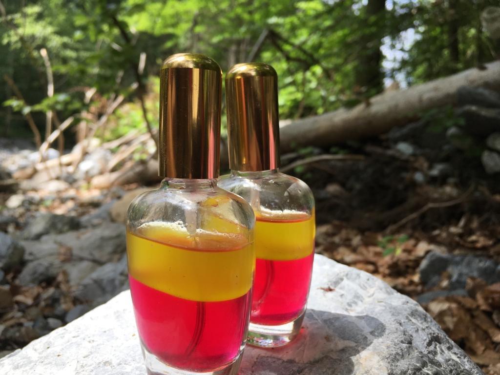 Wildkräuteröl-Malventee Hautspray (Foto: Caroline Lohrmann)