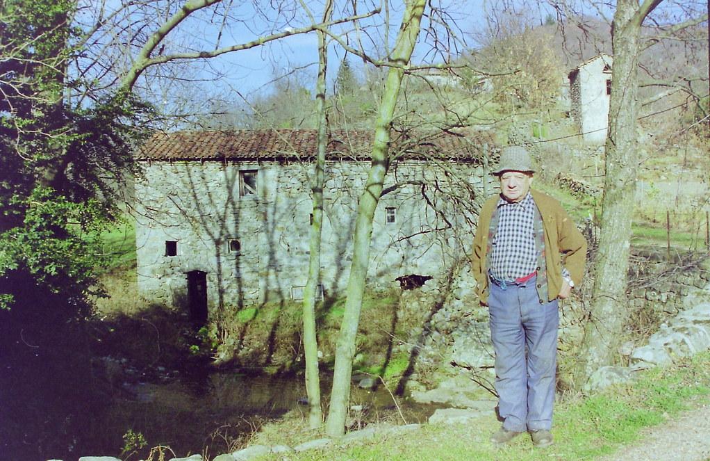 Raoul devant son moulin