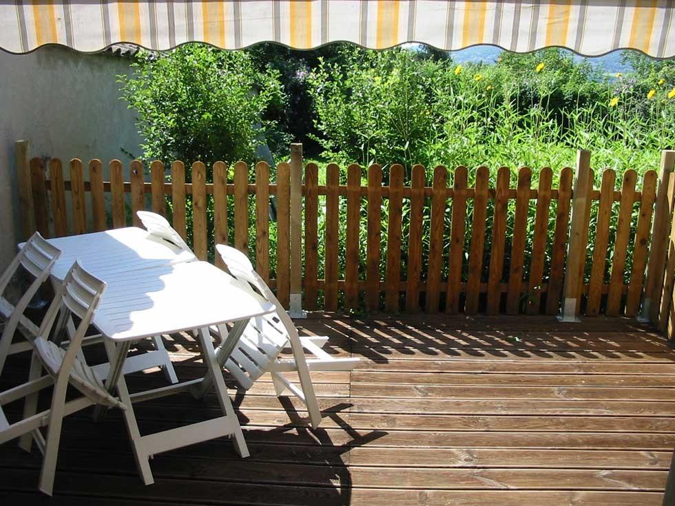 La Chambre d'Hôtes des Lisières : The independant terrace