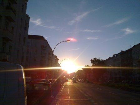 """Thomas Kaiser """"Sonnenuntergang mit dem Mond über der Laterne"""""""