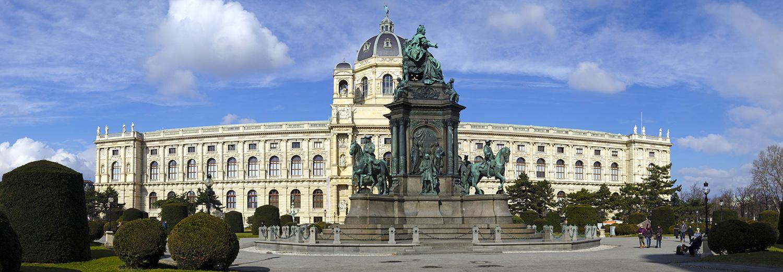 Vienne, musée d'histoire et statue de Marie-Thérèse