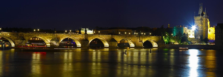 Prague, pont Charles vu de l'île Kampa