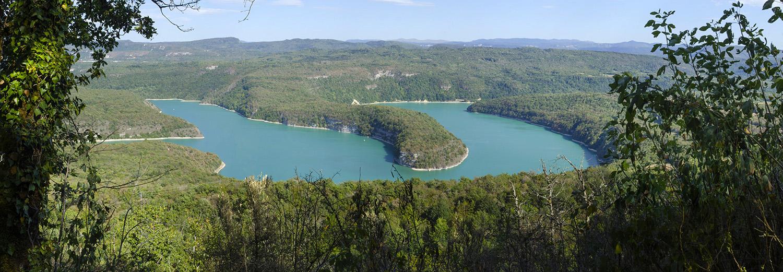 Lac de Vouglans vu du belvédère du Chatelet
