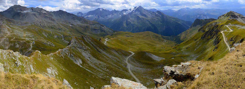 La Plagne, Roche de Mio, vue sur le sommet de Bellecôte et glacier de la Chiaupe, la Grande Motte, la pointe de la Grande Casse et le Grand Bec
